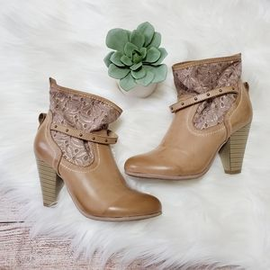 Tan Lace Western Style Heeled Booties Eur 36